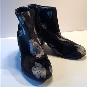 New Sam Edelman Circus velvet floral booties 7.5
